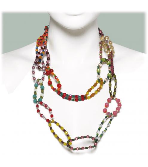 Farbenfrohe Kette aus einzelnen Perlenringen