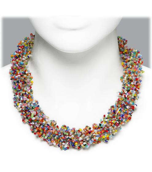 Entzückendes Collier aus hunderten Rocaille-Perlen